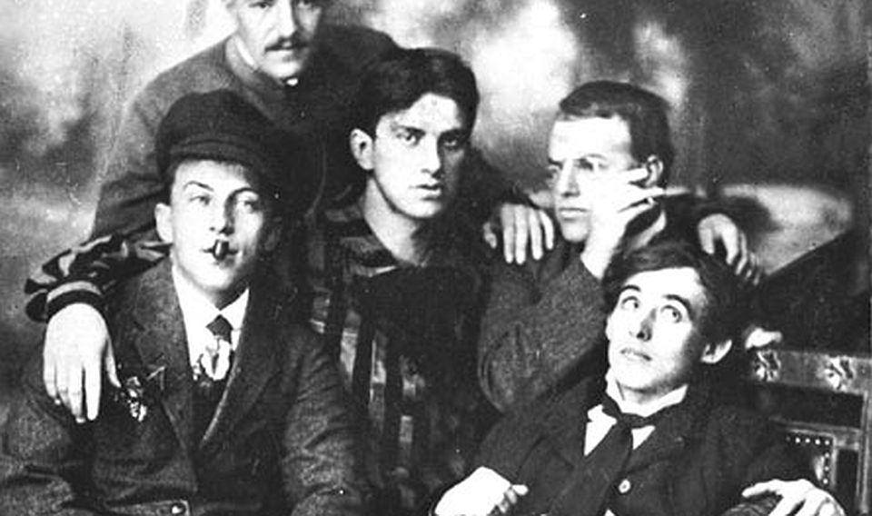 The murder of Mayakovsky's poetry