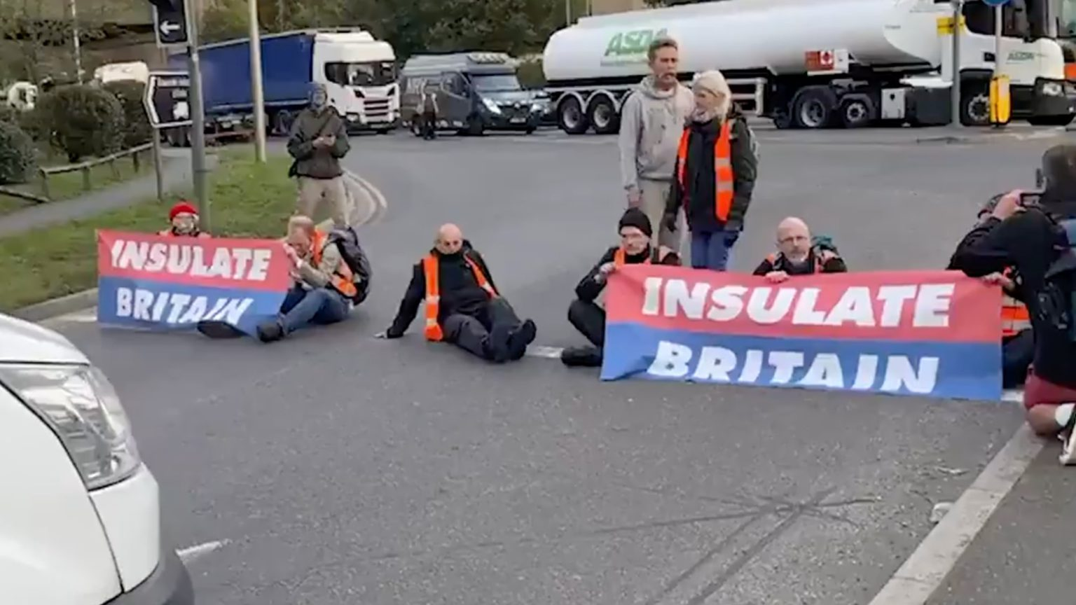 Insulate Britain is in bed with the establishment